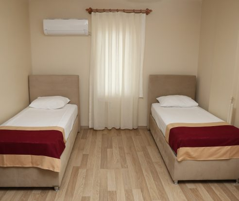 İki Yataklı Çift Kişilik Oda